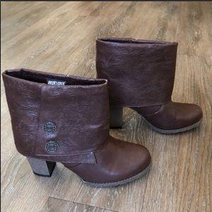 Muk Luks• Dark Brown Embossed Chris Boots